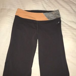 North Face cropped yoga pants